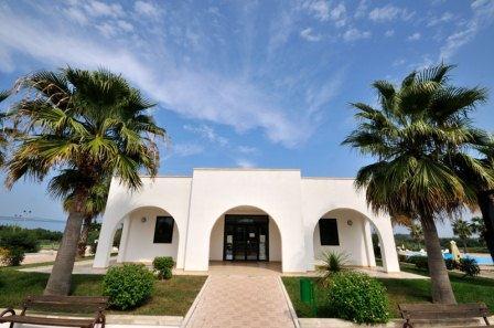 66_residence-rivazzurra_residence_rivazzura_torre_dell_orso_reception.jpg