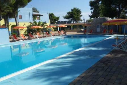 67_grotta-saracena-salento-summer-village_residence_grotta_saracena_piscina.jpg