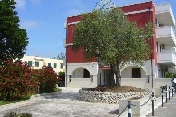 6_residence-borgo-latino_borgo_latino_esterno3_(2).jpg