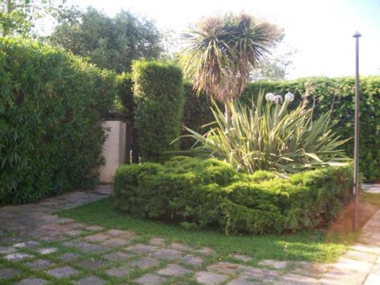 6_residence-borgo-latino_borgo_latino_giardino.jpg