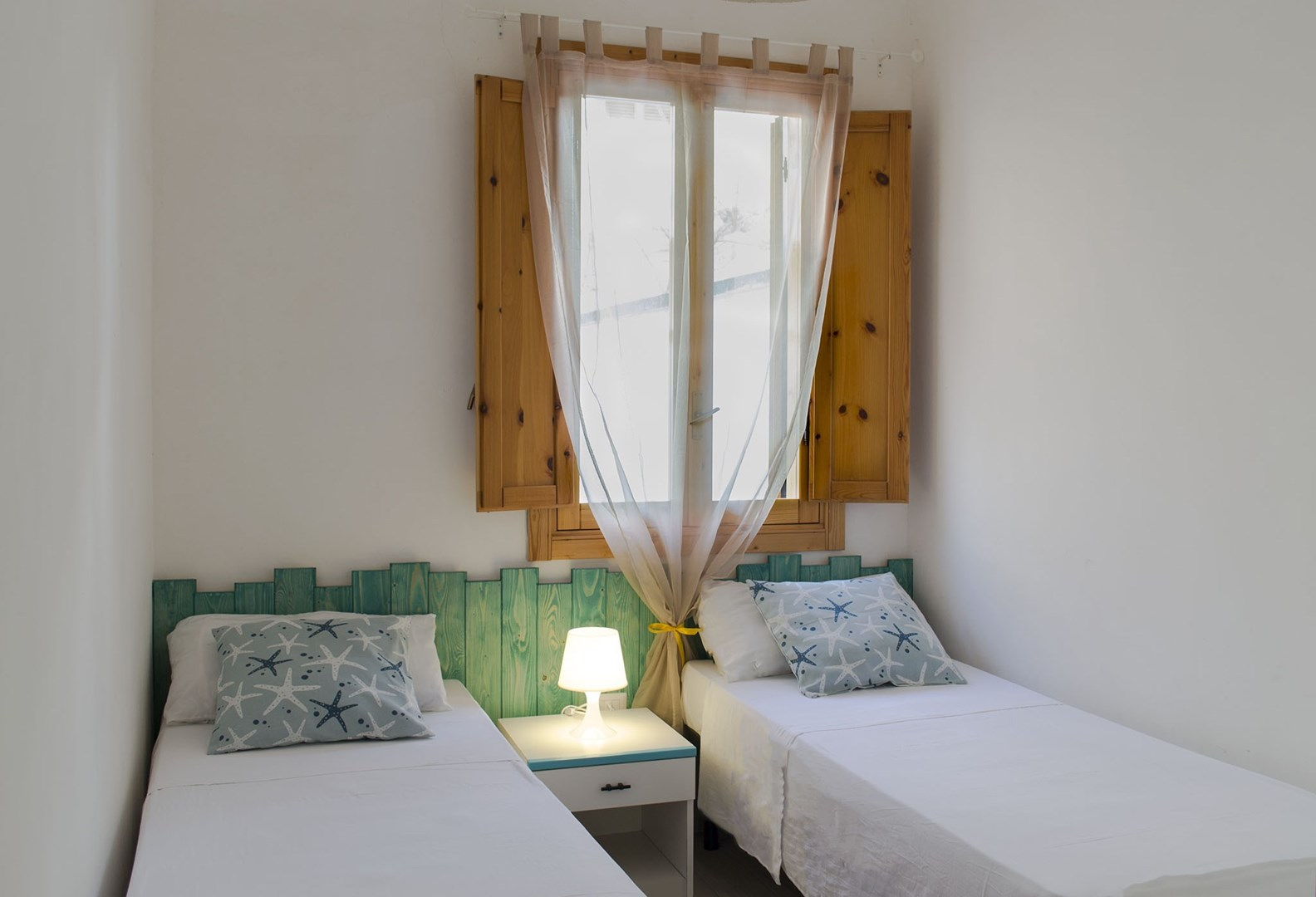 6_residence-borgo-latino_residence_borgo_latino_camera_doppia_trilo.jpg