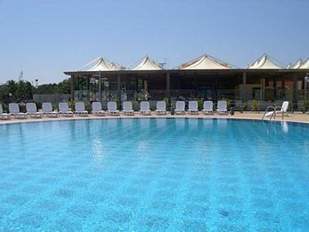 72_hotel-thalas-club_hotel_thalas_torre_dell_orso_piscina3.jpg