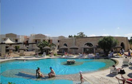 72_hotel-thalas-club_piscina4.jpg