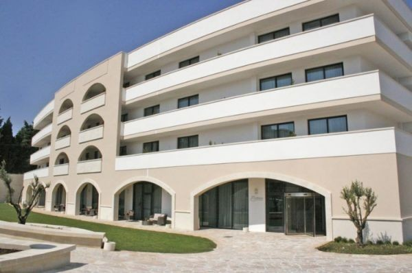 83_hotel-vittoria-resort-spa_hotel_vittoria_esterno.jpg