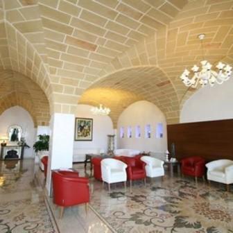 86_hotel-aurora-e-del-benessere_hall.jpg