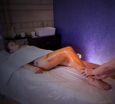 86_hotel-aurora-e-del-benessere_massaggio-cioccolato.jpg