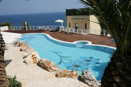 86_hotel-aurora-e-del-benessere_piscina4.jpg