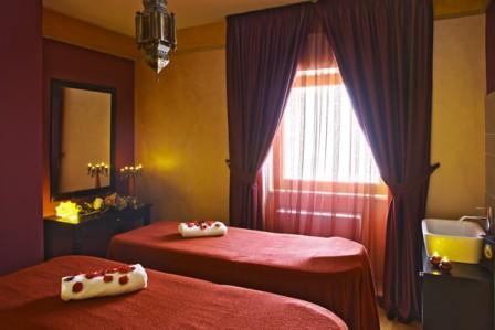 86_hotel-aurora-e-del-benessere_sala_massaggi.jpg
