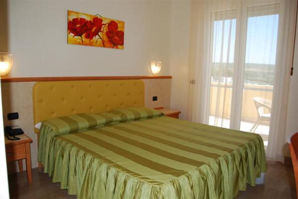 95_hotel-club-la-giurlita-_camera_giurlita.jpg