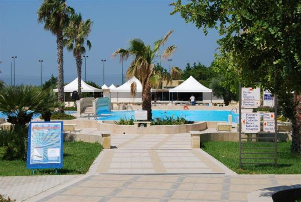 95_hotel-club-la-giurlita-_piscina_giurlita.jpg