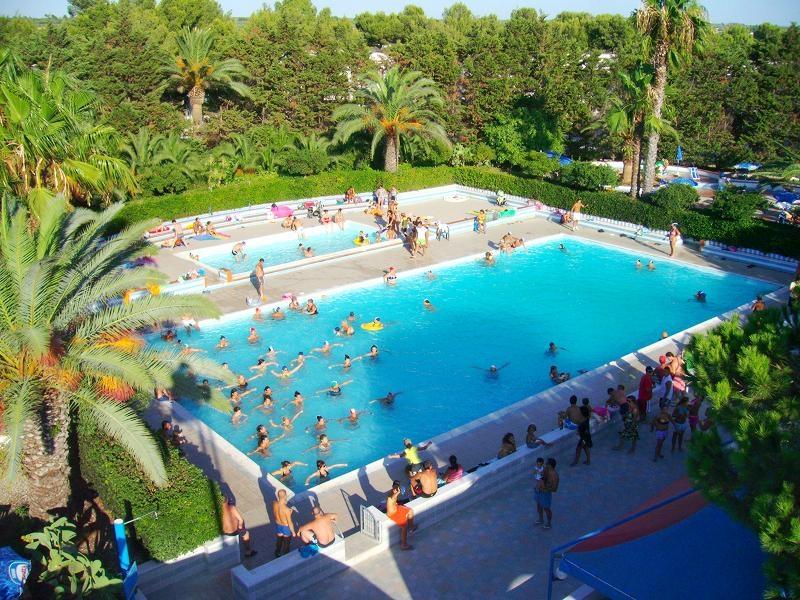 9_villaggio-residence-jonio-club_piscina6.jpg